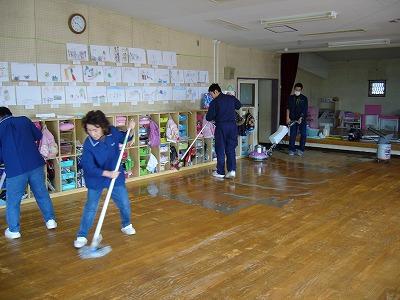保育園木床清掃(1)